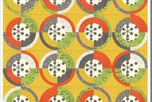 Kolo, kolo mlýnské .... / Patchworkové bloky ve tvaru kruhu,polokruhu,různé oblouky,opilcova stezka, talíře...