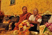Luang Pu Nenkham kocht 22 Mercedessen