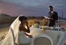 Beach Wedding / Diseño y organización de la boda en la playa de unos novios muy especiales. #Eventos  Más información: Nuestra web: http://www.alade3.es/ Facebook: https://www.facebook.com/Al... Linkedin: http://www.linkedin.com/com... Blog: http://palabradeurania.es