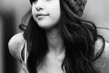 01 - Selena Gomez