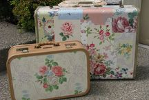 Packing up my Troubles / Vintage suitcases, train cases