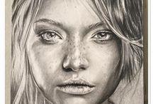 Portrait plume crayon
