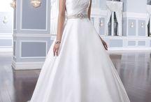 Wedding dress ideas / by Nikki Westbrook