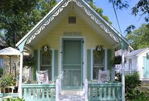 Tiny houses / by Beverly Parsneau