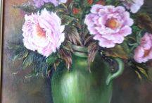 Roses parfumées de mon jardin dans une vieille jarre