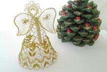 gold angel / bobbin lace