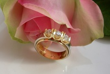 Commemorative jewelry