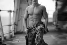 Marines / Bulldogs and Jarheads Heroes and Heroines of Romance Novels