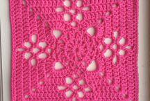 Quadrado rosa crochê
