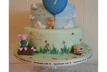 Poo bear cakes