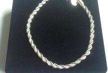 Bracelets / Complement your attire with our wide range of beautiful bracelets. https://sommersparkle.com/collections/bracelets