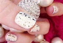 Nails, Tattoos & Piercings  / by Sara Martin