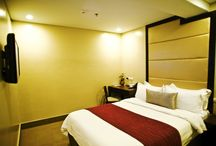 ROOM ACCOMMODATION / Take pleasure in each of these uniquely designed contemporary guest rooms, which are equipped with conveniences and comfort that seasoned world-class travellers delight in.