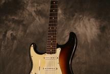 Kurtovy kytary (našeho Kurta z nasi kapely Nirvana 2 )a Kurt