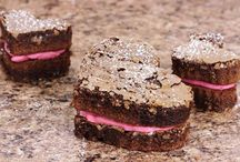 Valentine's Day: Food, Drinks, Sweets, and Treats Easy to Bake and Create!