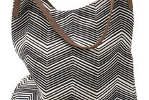 Black and White Summer / Get some inspiration from our black and white summer collection: Bags and cushions made out of jute in different prints!