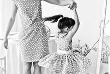 Мамы и дочки / Фотоматерей с дочерями, возможно с сыновями.