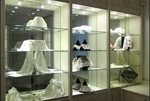 Lace Museums - UK and Ireland / Museums and private collections with important lace collections in the UK and Ireland.
