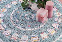 Crochet Lace Doilies / by Noël Crave