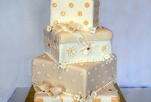 Cake!!! / by Madison Martin