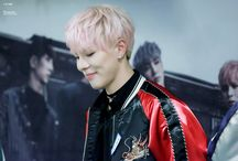 Kpop Idols with pink hair