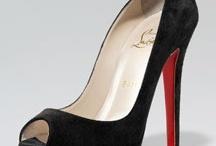 Shoes / by Célia Mbp