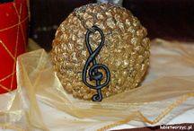 Biżuteria / Jewellery / Kolczyki, zawieszki, łańcuszki, bransoletki i wszelkiego rodzaju biżuteria stworzona własnoręcznie, z wykorzystaniem zróżnicowanych materiałów :)