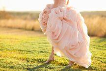Brides & Dresses