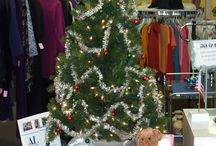 Holiday Board / Take a break from the hustle and bustle of a mall - shop local. Assistance League of Greater Placer's Thrift Shop is the place to find wonderful Christmas presents at a good price! Come in and see us!