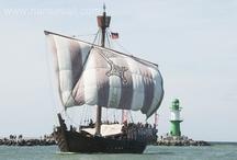 Hanse Sail / Die Hanse Sail in Rostock und Warnemünde ist die größte maritime Veranstaltung in Mecklenburg-Vorpommern und eine der größten im Ostseeraum. Sie ist Bestandteil der Baltic Sail. Vier Tage lang wird das Traditionsseglertreffen jedes Jahr am zweiten Wochenende im August gefeiert.