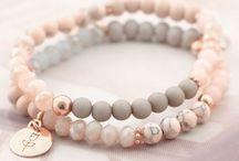 Armbanden maken vrouwen