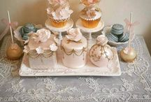 Wedding Cake Favours / Edible Sugar Wedding Cake Favours