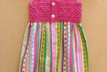 vestido de bebé a crochet y tela