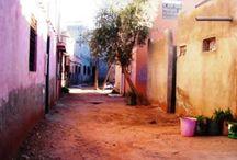 Aït Ourir / Aït Ourir, commune berbère située au pied de la Vallée du Zat et du Haut Atlas marocain.