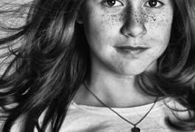 Portraitfotografie | lightplay / Individualität, Persönlichkeit, Einzigartigkeit. Das alles wollen wir in unserer Portraitfotografie festhalten, kurz: nur dich, so wie du bist und manchmal auch so, wie du gerne sein willst.