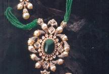 Necklaces/earings/rings