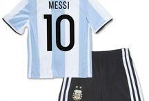 Billige Lionel Messi trøje Børn / Billige Lionel Messi trøje Børn på online butik. Lionel Messi hjemmebanetrøje/udebanetrøje/målmandstrøje/trøje langærmet tilbud  med eget navn.