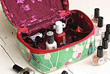 Crimson and Clover Kosmetiktasche
