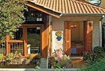 Casas / O prazer de uma varanda, uma rede e um bom café.