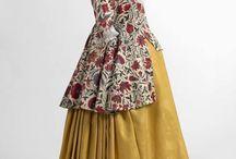 Historiska klänningar för gravida