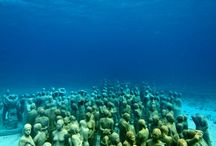 Underwater Museum Cancun / Use our tag on instagram #snorkelaroundtheworld, check our site www.snorkelaroundtheworld.com