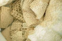 El proceso de un vestido de novia - wedding dress process / aprovechando que me mandé a hacer el vestido de novia, traté de retratar el proceso... acá está el resultado. diseñado por Paula Ovalle Vicuña  the process of my wedding dress