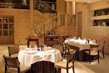 Restaurante Aragonia Palafox / Degustar una excepcional gastronomía. Deleitarse con un buen vino. Compartir la experiencia. Integrarse en el entorno y dejarse llevar… Conseguir que cada momento sea una excusa perfecta para disfrutar de los sabores que el Restaurante Aragonia Palafox te ofrece. Una cocina intimista que honra el producto, esencialmente Aragonés, en combinación con lo mejor de la despensa mediterránea y los mejores vinos del mundo.