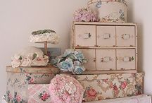 Arrange & Display / by Rahna Summerlin Blooming In Chintz