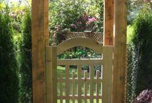 Log house gate