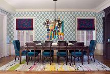 Яркие интерьеры   Colorful interiors / WOW! только и можно воскликнуть при виде такой кухни, залитой красочными узорами, неожиданными цветами, формами и фактурами. Интерьер в стиле эклектика (смешение стилей, сочетание мебели и декора разного времени) завораживает гармоничным сочетанием того, что, казалось бы, невозможно объединить!