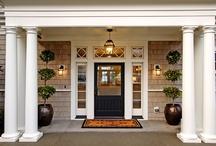 Doors, Doors & more Doors / by Leslie Acevedo