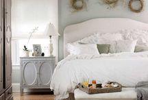 Спальня в стиле прованс : советы для оформления / От суеты большого города очень часто хочется скрыться в уютном, слегка наивном жилье, где обитает дух умиротворенности.