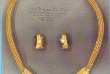 conceptional jewelery designer / theme based jewelery in real diamond & gold