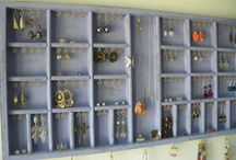 Jewelry Organizers / Purple jewelry display - distressed wood